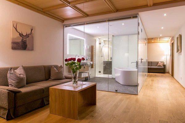 Wie wäre es in der Zwischenzeit mit unserer Damülser Hof Suite?! 🥰 Ab ...