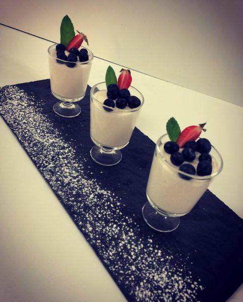 Sweet 😍😋 #panacotta #dessert #bergerhof #sonnenbalkon #montafon #bartholomäberg #visitvorarlberg Hotel Bergerhof im Montafon
