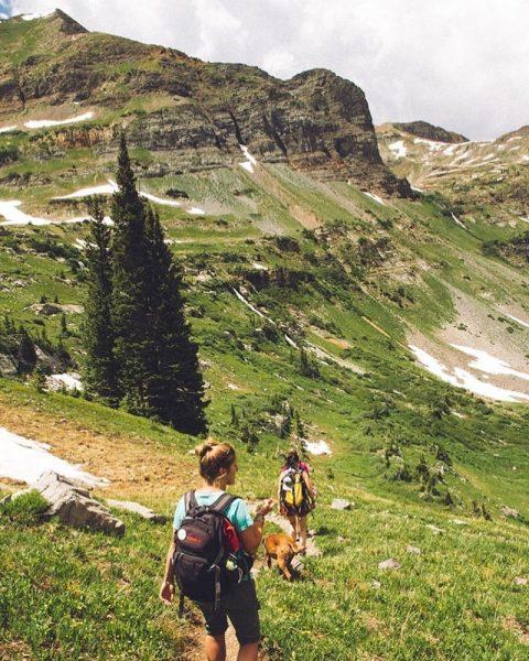 Vorbei an Alpenwiesen & einsamen Seen - einfach traumhaft 😍⛰ #apresposthotel #stuben #arlberg ...