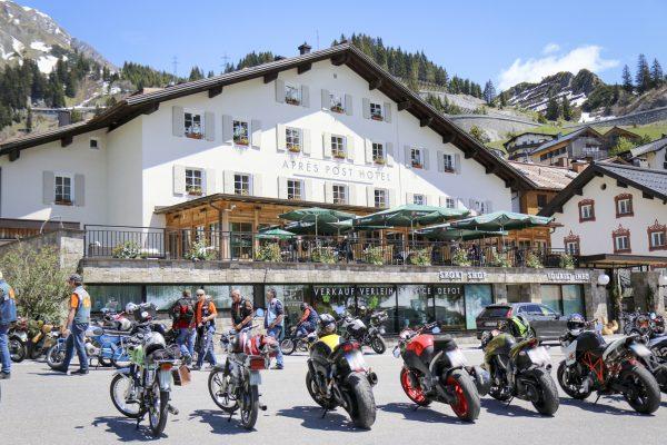 Kurven (bei Stuben) & Genuss (beim @aprespost_stuben ) die perfekte Kombination am Arlberg ...