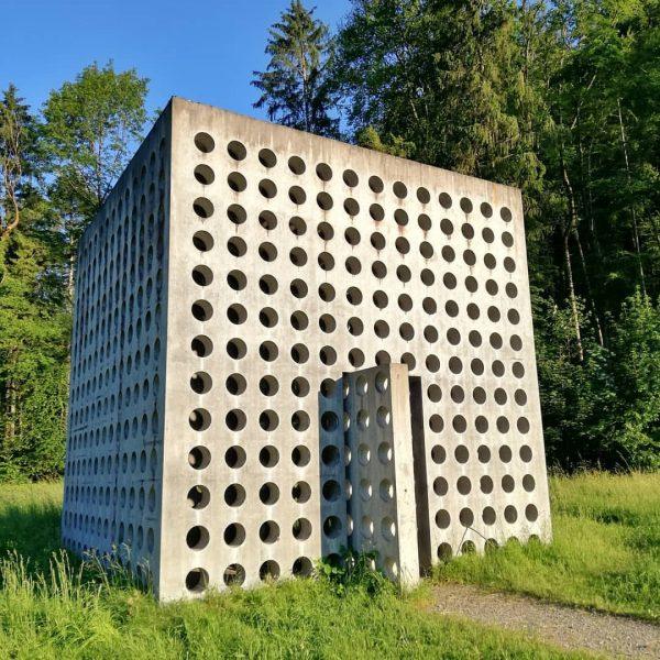St. Arbogast, Wasserhaus #starbogast #wasserhaus #kubus #betonkunst