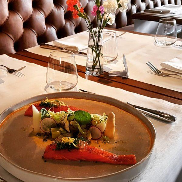 #good #food #foodporn #salmon #asparagus #restaurant #bregenz #brasserie #summer #goodfood #goodtimes Petrus Café ...