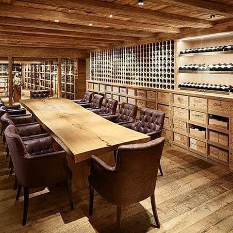 🇦🇹 ÖSTERREICH / Lech am Arlberg Eines der Top Weinrestaurants der Welt befindet ...