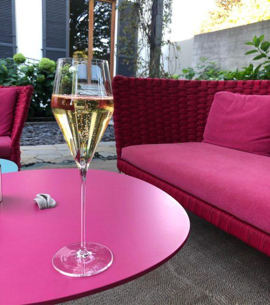 Wünsche euch einen wundervollen Abend und einen feinen Feiertag 🥂😊 @restaurant_guth #exolounge @reiterdesigngmbh ...
