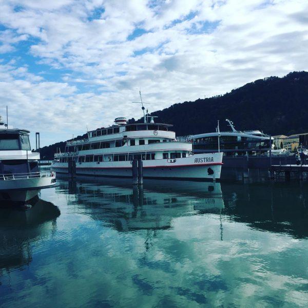 Guten Morgen vom Hafen Bregenz! 🌞.... Heute mit dem Kursschiff sen Bodensee entdecken, ...