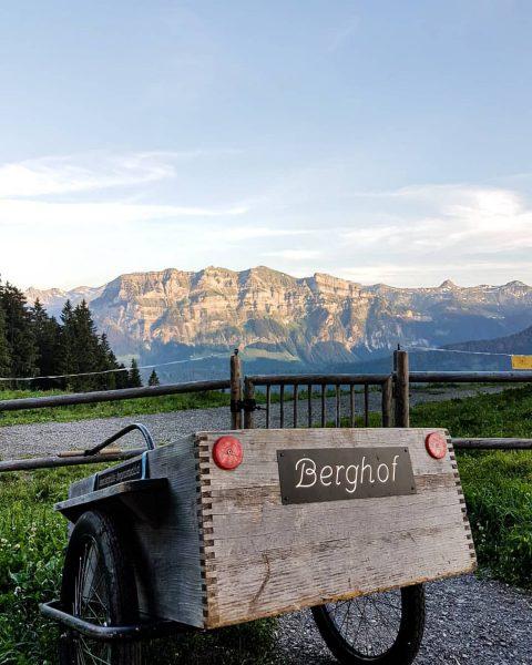 ⛰🌞 • #berghofbezau #bezau #bregenzerwald #vorarlberg #österreich #austria #visitvorarlberg #visitbregenzerwald #visitaustria #kanisfluh #urlaubindenbergen ...