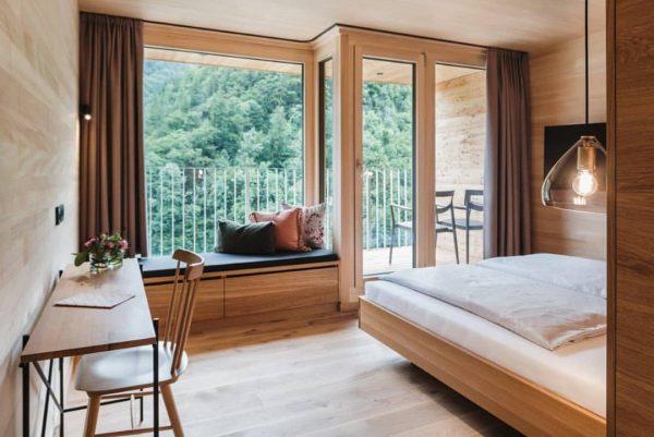 Ganz neu: Die Leonhard Zimmer. Natürlich aus Holz. 😍 #hoteldesign #hotels #designhotel #designhotelösterreich ...