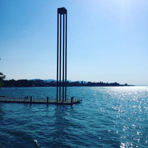 Sommer am See was für ein Genuss! #vlinesstories #vorarlberglines #bodenseeschifffahrt #tollerblick #glitzerwasser #hafenbregenz