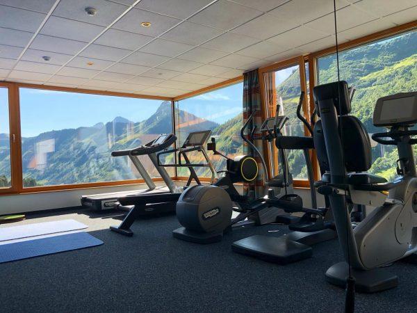 Nach dem Wandern ist vor dem Workout! 💪🏻⛰☀️ #berge #mehr #workout #wandern #fitness ...