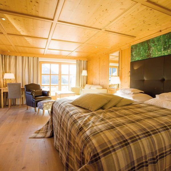 66 m², two living-/sleeping rooms, two bathrooms and seperate toilets - so the ...