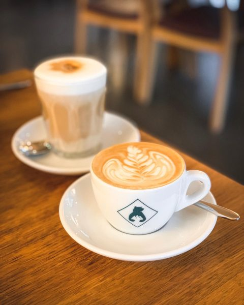 Sehr guten Kaffee trinkt man im #Bregenzerwald im @hotelbaerenmellau 👌 Hotel Bären