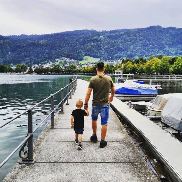 #bregenz #kurzurlaub #Österreich #berge #bodensee #familienzeit #cousinchenbesuchen #familyfirst💖😘🤗😍meinemänner😍💞 Festspielhaus Bregenz