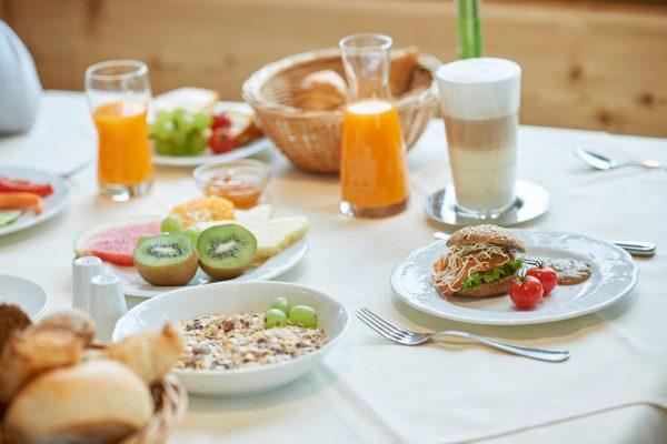 Ein guter Start in den Tag beginnt mit einem herrlichen Frühstück! 🍳☕️ • ...