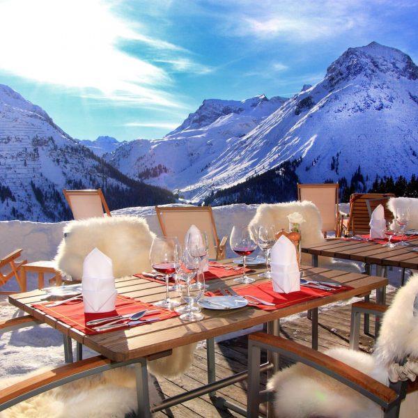 Nicht mehr lange und wir genießen zum Essen wieder dieses unglaubliche Winterpanorama ❄️🗻 ...