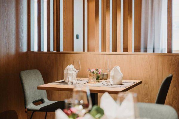 Dinner for two? #adler2019 #adlerau #dinnerfor2 #restaurant #sweethomepension #austria #hoteldesign #hotelstyle #designhotel @hip_hotels ...