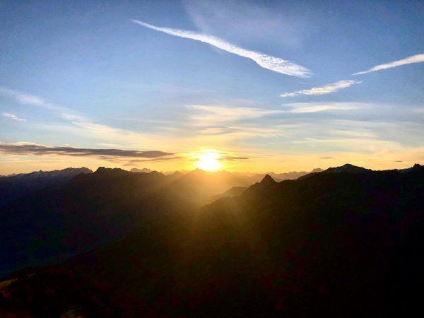 Guten Morgen 🏔☀️ Wir sind schon am Berg und wünschen Euch einen sonnigen ...