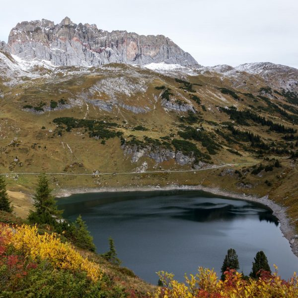 The #Formarinsee and the mighty Rote Wand in #autumncolors ... You can #hike ...