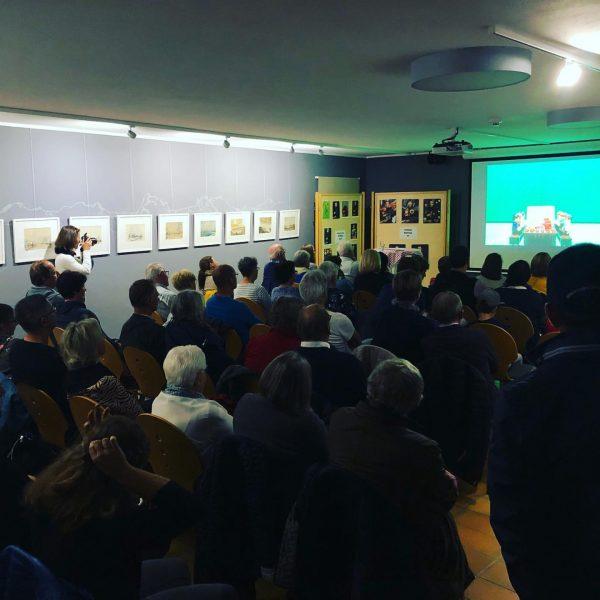 Fullhouse im #heimatmuseum in der #orflangenachtdermuseen mit #jjbatlogg