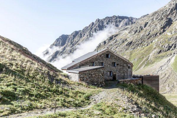 03.09.2019 // Silvrettarunde . Während wir Richtung Vermuntgletscher in Richtung blauer Himmel und ...