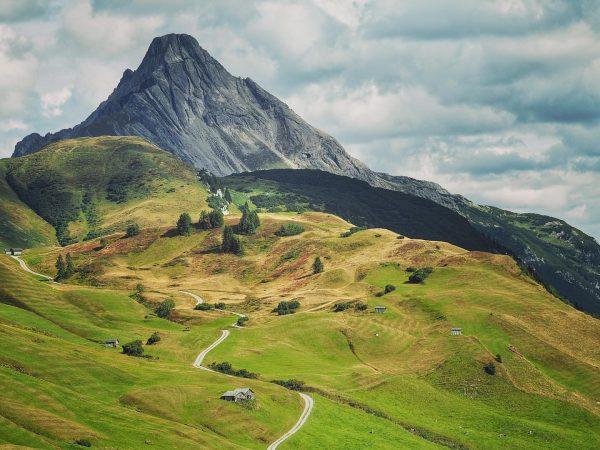 Unser schönes Allgäu...😍Im Hintergrund ist der 2599m hohe Biberkopf zu sehen. #allgäu #allgäueralpen ...