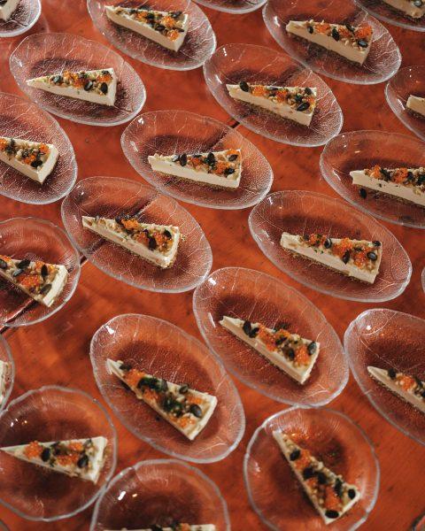 Fake Food von @jameswbaron - wirklich gut, for real. Foto: Ian Ehm // ...