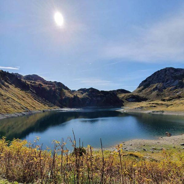 Love this place 😍 #formarinsee #rotewand #schönsterplatz #lech #klostertal #alpen #hiking #wanderlust #autumn ...