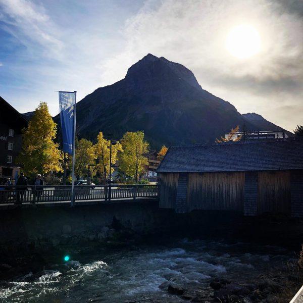 #auroralech #lifeisbetterinthemountains #omeshorn #lech #arlberg #autumn #mountain Lech, Vorarlberg, Austria