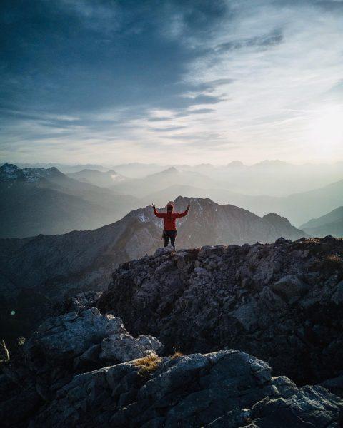 Roggalspitze 2.673m Südwestgrat 🏔🧗🏻♂️ . #Roggalspitze#Lechquellengebirge#Vorarlberg#Ländle#VisitVorarlberg#Climbing#Klettern#Mehrseillänge#Alpinetouring#Mountaineering#Bergsteigen#Mountains#GoreTex#testedforlife#Arcteryx#Salomon#Motivation#Training#Alps#Bergzeit#Ortovox#Outdoors#Berge#mountainaddicted#wanderlust#nopainnogain#herbst#petzl . Thanks for the nice pics @wo_gibts_reis 👌 Roggalspitze
