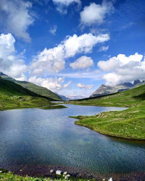 #bergsommer #alpenliebe #wandernmachtglücklich #draussenistsamschönsten #neueheilbronnerhütte #hüttentour #bergliebe #unserealpen #ganzschönokay #lifeisbetterinthemountains #choosemountains #mountainlovers #meetmeinthemountains ...