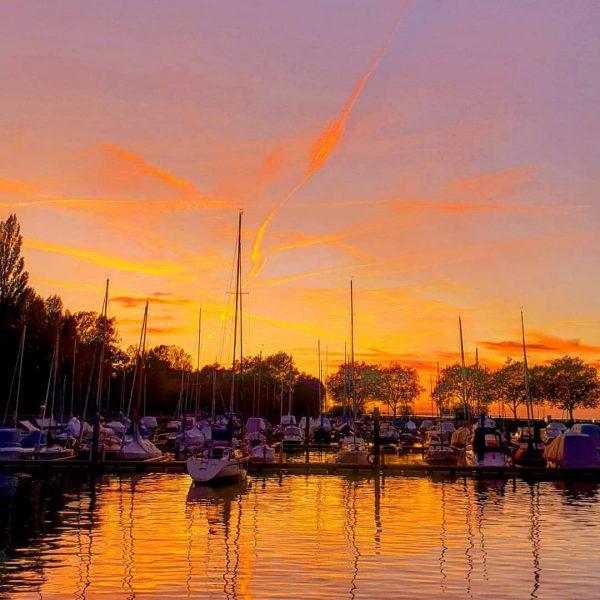 #lakeofconstance #lakelove #lakelife #goodlife #sail #sailingboat #sailing #sailinginstagram #sunset #bregenz #ycrelake #bodenseepage #visitbregenz ...