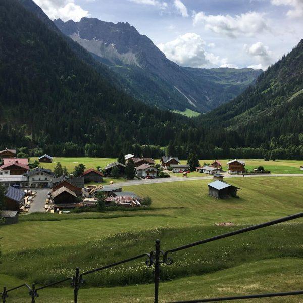 New baby vacation #holiday #babyvacation #allgäu #smellslikecow Der Kleinwalsertaler Rosenhof