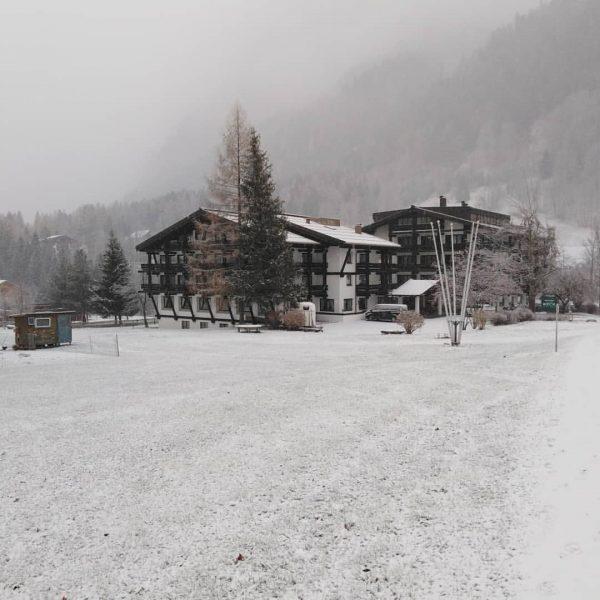 Endlich ist er da, der liebe Schnee ❤️ #sporthotelbeck #familienhotel #brandnertal #brand #vorarlberg ...