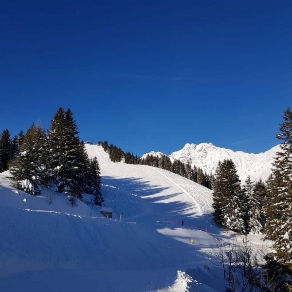 Unser Pistencheck: Die Schneehöhe sensationell. Die Pisten perfekt für jeden, ob jung oder ...