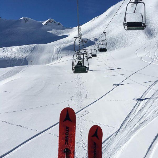 Se on se rankka elämä vuoristossa... #skiingislife #weissering #väistäkää Madloch Spitze
