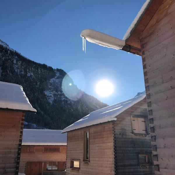So schön kann der Winter im #Brandnertal sein! #casalpin #brand #brandnertal #chalet #urlaub ...
