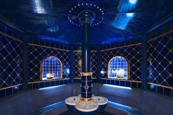 Eine ganz besondere Atmosphäre können unsere Gäste im Dampfbad genießen. Die großen Bergkristalle ...