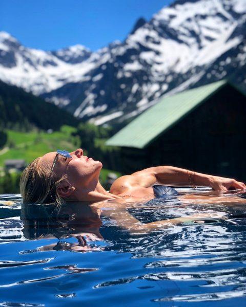 Enjoying a relaxing Sunday 🥰 _ @hallers_kleinwalsertal #spaday #spa #swim #relax #sun #sunny ...