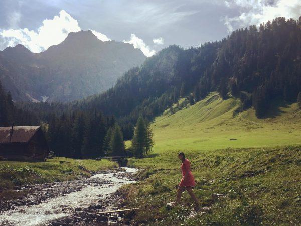 Am idyllischen #NenzingerHimmel kurz im #Gletscherbach #Abkühlung gesucht(und gefunden) 😉 eine eiskalte, aber ...