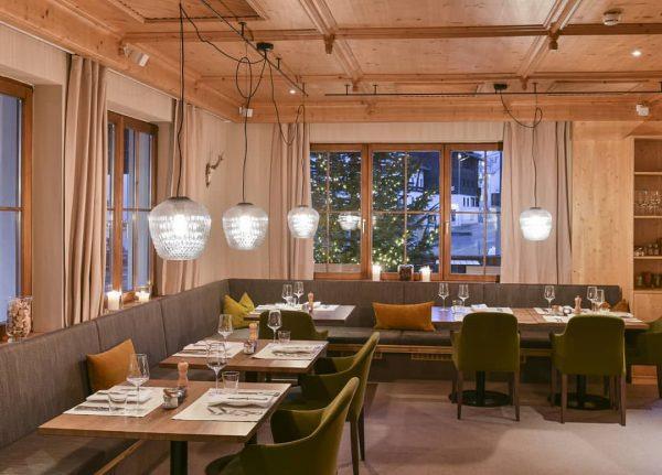 We love to serve you 😉 Mitte Dezember öffnen wir wieder unsere Pforten 👏 . #AlpenhotelValluga #hotel...