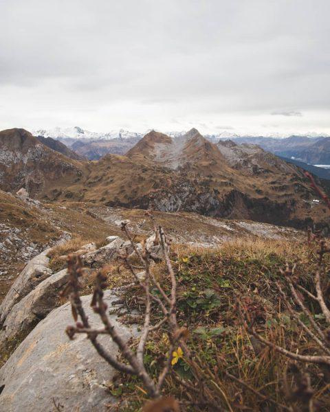 Das ist schon toll, wenn du auf die Berge schaust und das Hütchen ...