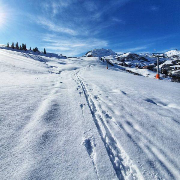 #Skitouren bei bestem Wetter 😎 . . . #skitouring #lech #lechzuers #visitvorarlberg #visitbregenzerwald ...
