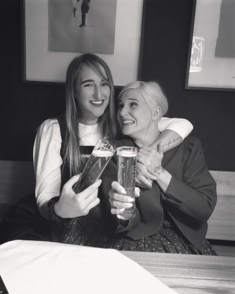 beer you. beer me. 🍻 . . . #throwback #blondies #sweet #sweetlikesugar #friends ...