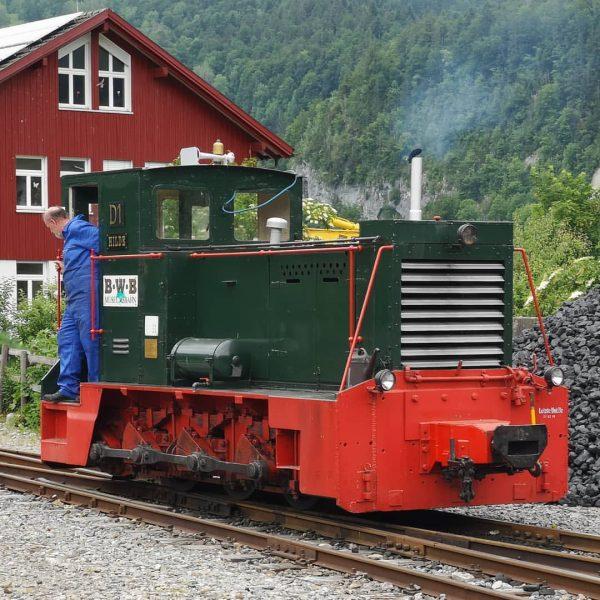 """Diesellokomotive D1 """"Hilde"""" der Bregenzerwaldbahn in Bezau beim rangieren #diesellok #rangierdiesel #bregenzerwaldbahn #wälderbähnle ..."""