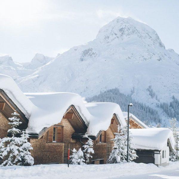 Es schneit und schneit ❄️ bei uns am Goldenen Berg ✨ und bald ...