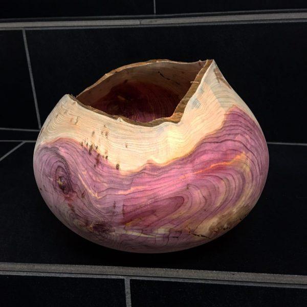 Hohlgefäß aus Wacholder, D= 20 cm, ca 60 Jahre alt #woodturning #turningartist #drechseln ...
