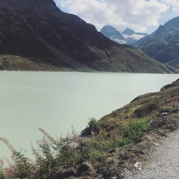 #nofilterneeded 🙌🏼 ________________________________________________________ #silvrettastausee #beautifulnature #vorarlberg #montafon #mountainstories Silvretta-Stausee