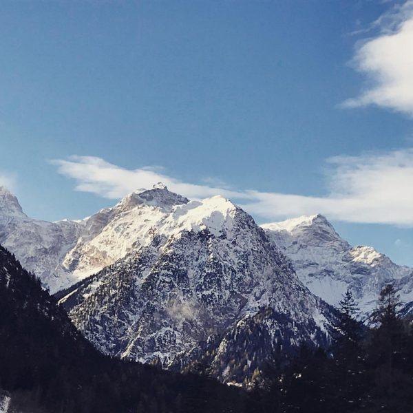 Schön Weiß bei #casalpin #ferienhaus #ferien #urlaub #brandnertal #bergdorf #berge #mountain #familienurlaub #brand ...
