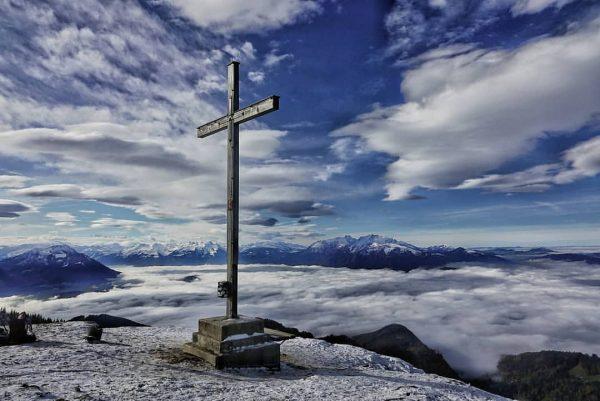 ...über dem Nebelmeer 😍 . Ein ganz besonderer Ausblick bietet sich auch im ...