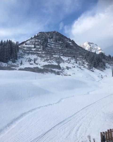 Entspanne mit Aussicht auf eine spektakuläre Bergwelt? Dann ist dies der Ort, den ...