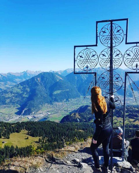 redhead on tour 🤘😂 . . . #mondspitze #brandnertal #wanderlust #sun #view #berge ...
